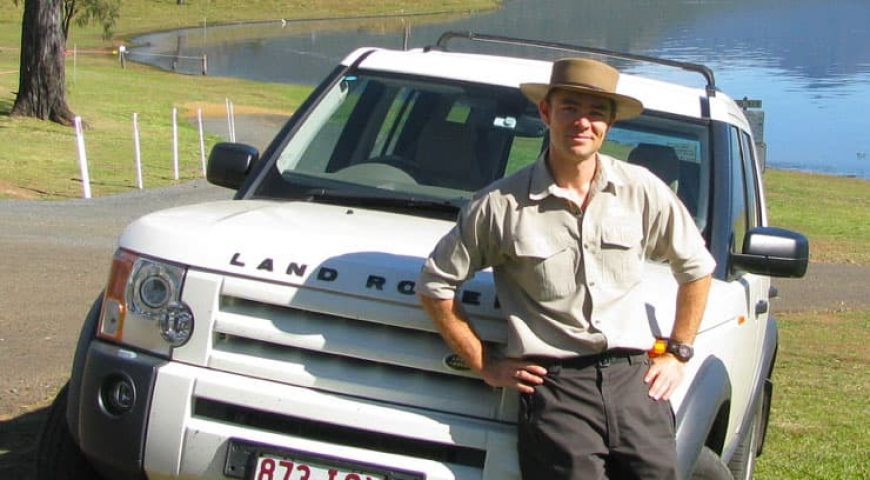 Tim-scarisbrick-tour-guide-Lake-Moogerah-south-east-queensland-australia-740x872